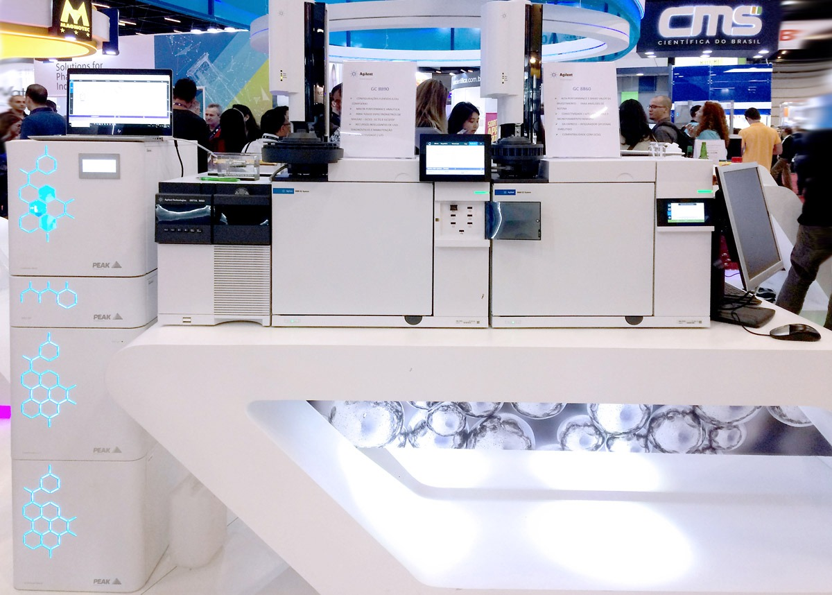 Química e Derivados - Cromatógrafos GC 8890 e 8860, da Agilent, são preparados para monitoramento remoto